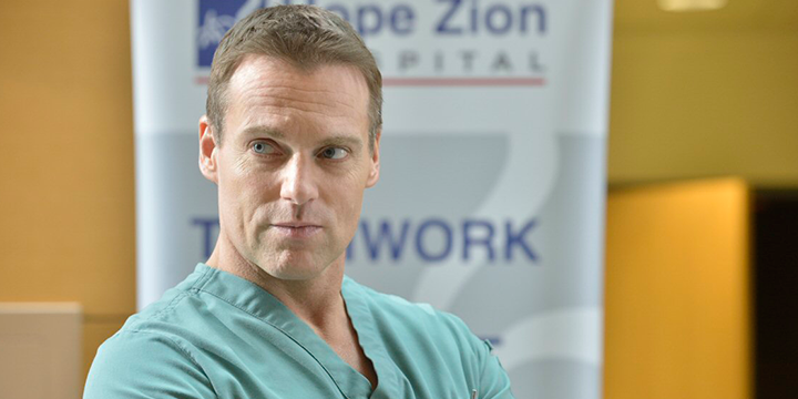 Michael-Shanks,-Dr.-Charlie-Harris--en-Saving-Hope