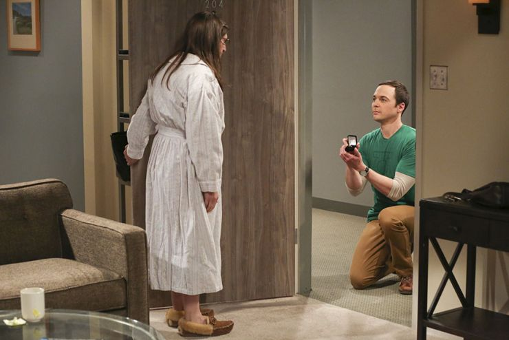 """The Long Distance Dissonance""-- Pictured: Amy Farrah Fowler (Mayim Bialik) and Sheldon Cooper (Jim Parsons). The gang is concerned when Sheldon's former admirer, Dr. Ramona Nowitzki (Riki Lindhome), resurfaces while Amy is away at Princeton, on the 10th season finale of THE BIG BANG THEORY, Thursday, May 11 (8:00-8:31 PM, ET/PT) on the CBS Television Network. Photo: Michael Yarish/Warner Bros. Entertainment Inc. © 2017 WBEI. All rights reserved."