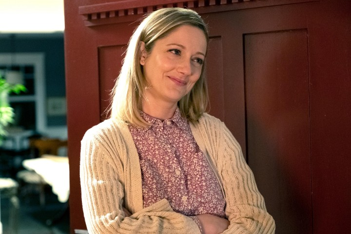 "Judy Greer as Jill in KIDDING (Season 1, Episode 02, ""Pusillanimous""). - Photo: Erica Parise/SHOWTIME - Photo ID: KIDDING_102_606.dng"