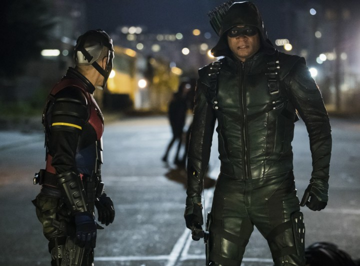 "Arrow -- ""Next of Kin"" -- Image AR603b_0201b -- Pictured (L-R): Rick Gonzalez as Rene Ramirez/Wild Dog and David Ramsey as Green Arrow -- Photo: Jack Rowand/The CW -- © 2017 The CW Network, LLC. All Rights Reserved."