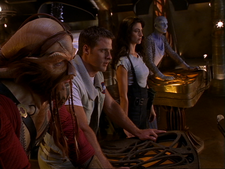 Farscape pk-tech-girl-1-3